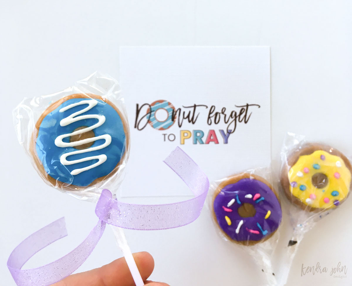 Teaching Kids To Pray - A delicious idea and printable for FHE, Sunday School, or Seminary.